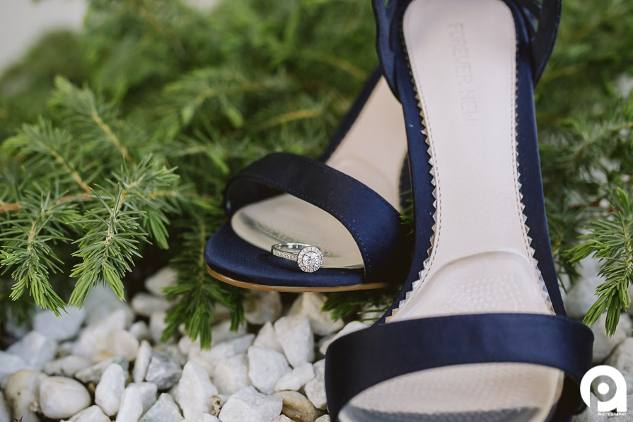 Pier One Hotel had these fantastic outdoor gardens which were a perfect place for some details images of shoes & a ring.