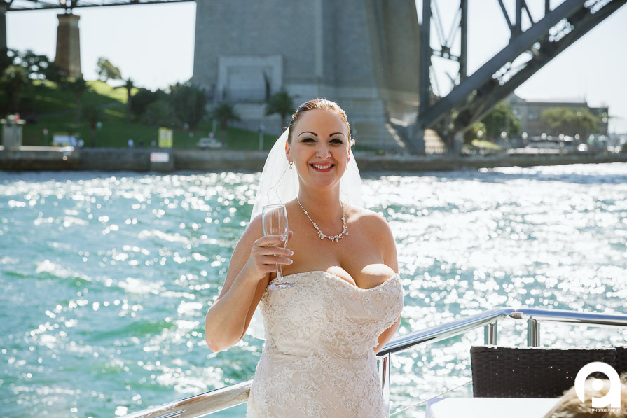 Bride, champagne & Sydney Harbour. Perfect.